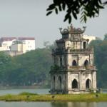 Hoan Kiem lake mit Ngoc Son Temple in Hanoi