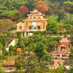 Tempelanlage am Berg in Vung Tau, Vietnam