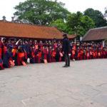 Strassenszene in Hanoi - Schulklasse