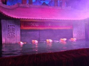 Aufführung Wasserpuppentheater in Hanoi