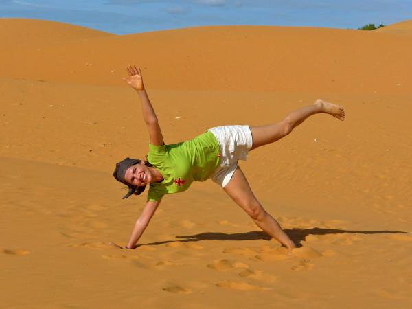Tanja in den roten Sanddünen von Mui Ne