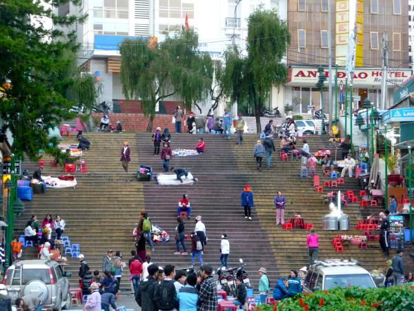 Vietnamreise Dalat Treppe Innenstadt