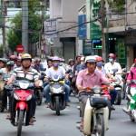 Mopedchaos auf den Strassen von Saigon, Vietnam