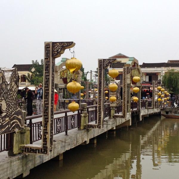 Vietnamreise Hoi An Brücke mit Lampions